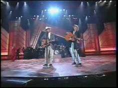 MUSIC VIDEO COUNTRY GEORGE STRAIT & ALAN JACKSON  MURDER ON MUSIC ROW. Such a good song.