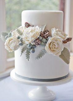 Wedding Cake Photo via Project Wedding #winterweddings