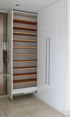 45 Creative Bedroom Wardrobe Design Ideas That Inspire On Like everything else in life, there are those who were born to plan out bedrooms and those who would rather … Corner Wardrobe, Small Wardrobe, Wardrobe Storage, Modern Wardrobe, Wardrobe Ideas, Modern Closet, Pax Wardrobe, Small Closets, Closet Ideas