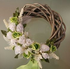 Easter Flower Arrangements, Easter Flowers, Floral Arrangements, Summer Door Wreaths, Easter Wreaths, Holiday Wreaths, Corona Floral, Deco Floral, How To Make Wreaths