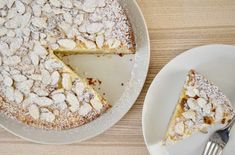 Italian Almond Ricotta Cake is the perfect Italian dessert. This recipe is full of flavor and so simple to make with ricotta cheese and almond extract. Almond Butter Snacks, Almond Recipes, Baking Recipes, Cake Recipes, Dessert Recipes, Soup Recipes, Vegetarian Recipes, Ricotta Dessert, Ricotta Cake
