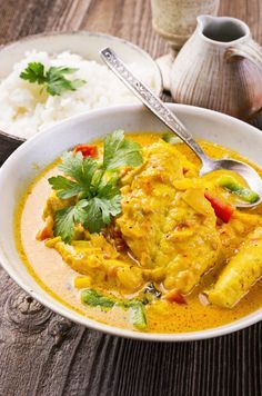 On peut varier les poisson blancs : Lotte, colin... on peut aussi ajouter moules, crevettes, pétoncles ou Saint-Jacques Curried Fish Stew, Lotte Au Safran, Lotte Au Curry, Brazilian Fish Stew, Quick Fish, Fish Curry, Food Test, Creamy Sauce, Indonesian Food