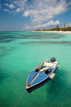 Small Boat / Anguilla (by Aurimas Adomavicius)