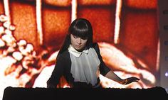 Kseniya Simonova's sand animation performance art featured on 'ukraine's got talent'- beautiful & moving. click thru to view video of the performance.