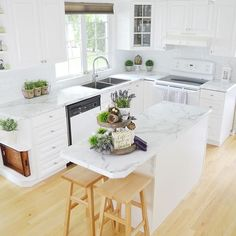 White on white on white! We love how the Calacatta Marble 180fx® by Formica Group via @dining_delight