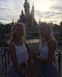 """1 m mentions J'aime, 9,234 commentaires - Lisa and Lena 