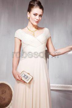 robe de soirée, robe de cérémonie, robe de bal, robe de mariage, robe de cocktail, robe demoiselle d'honneur, robe longues en champagne, fille, femme, mode http://www.robesoir.fr/toutes-les-robes-de-longues/199-vancouver-longueur-au-sol-col-en-coeur-sans-manches-champagne-chiffon-line-a-robes-de-soiree-longue-robes-de-ceremonie-robes-de-cocktail-concours-de-beaute-les-invites-au-mariage-simple-.html#