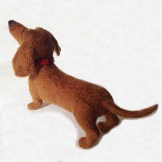 Link to hoe to needle felt dog's felted dog tutorial by Laura Lee Burch Wool Needle Felting, Needle Felting Tutorials, Needle Felted Animals, Wet Felting, Felt Animals, Felt Dogs, Felt Art, Soft Sculpture, Felt Ornaments