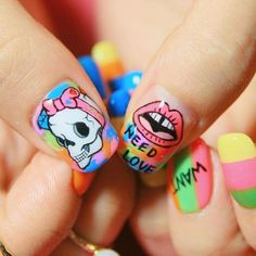 #20140621  #nail #nailart #gelnails #punk #skull #lip #lips #stripes #stripe