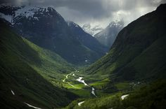 The Valley by Emil Eriksson on 500px