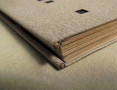 Reinforced fore edge of binding Diy Notebook, Handmade Books, Book Binding, Altered Books, Book Making, Editorial Design, Book Design, Book Art, Journals