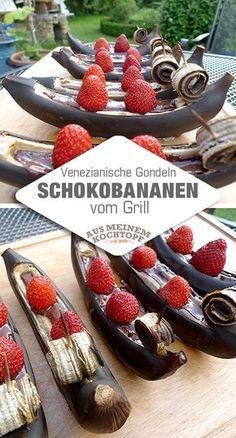 Ein köstliches Dessert: Schokobananen vom Grill. Es folgt eine praktische Fotoanleitung. Die Erdbeeren sitzen als Passagiere in den Gondeln. #Grillbananen #Schokobananen #gondeln #Gondelbananen #Schokogondeln
