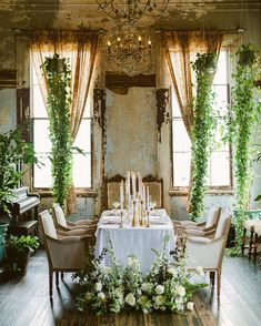 Sometimes even the smallest gatherings can have the biggest impact. Lush florals by Leaf + Petal NOLA, decor by House of Modern Vintage NOLA, rentals by Lovegood Rentals, planning by Michelle Norwood and photography by Mo Davis Photography ⠀ ⠀ ⠀ ⠀ Intimate Wedding Reception, Wedding Events, Reception Ideas, Elegant Wedding, Modern Vintage Weddings, New Orleans Homes, New Orleans Wedding, Bridal Salon, Wedding Table Settings