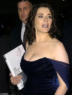nigella lawson plus size style Nigella Lawson Age, Beauty Full Girl, Beauty Women, Cooking Competition, Sexy Older Women, Voluptuous Women, Actresses, Celebrities, Carol Vordeman