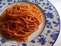 トマトとにんにくのパスタ