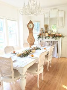 Little Farmstead: A Farmhouse Thanksgiving Dining Room {Thankful to bHome Tour}