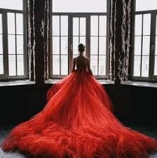 fancyweddingdreams: Red wedding dresses are irresistible and they are said to bring good luck in certain countries. Take a look at these 104 lovely red wedding dresses. Absolutely love Read more: 104 Lovely Red Wedding Dressesimage credit: thisivyhou Red Wedding, Wedding Gowns, Perfect Wedding, Wedding Cars, Wedding Ideas, Tulle Wedding, Bridal Gown, Wedding Venues, Beautiful Gowns