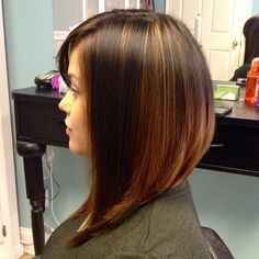 fryzury Angled bob✂️ When Your Love Has Gone Platinum Most of the million Americans who'll tie t Haircuts For Medium Hair, Long Bob Haircuts, Long Bob Hairstyles, Pretty Hairstyles, Medium Hair Styles, Short Hair Styles, Celebrity Hairstyles, Wedding Hairstyles, Mixed Hair