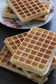 I lastly discover the recipe for the right waffles! For my style, the waffles should be crispy on the surface and marrow … Waffle Recipes, Cake Recipes, My Favorite Food, Favorite Recipes, Pumpkin Waffles, Beignets, Thermomix Desserts, Fermented Foods, Coco