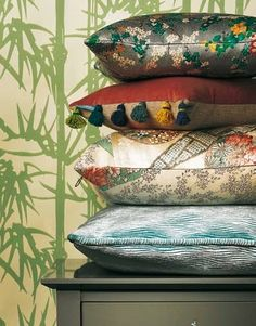 Pile on the new season's Oriental glamour with chinoiserie prints, burnished metals and sumptuous fabrics Luxury Cushions, Japanese Kimono, Vintage Japanese, Chinoiserie, Bed Pillows, Pillow Cases, My Etsy Shop, Bedroom Decor, Hand Painted
