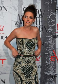 Kristen at promo for Snow White and the Huntsman
