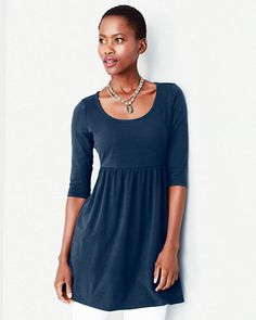 Our all-time favorite scoop-neck tunic answers the what-to-wear question in cool hues that swing from spring through fall. Throw the feminine, flattering A-line silhouette over leggings or skinny jeans and you're good to go.