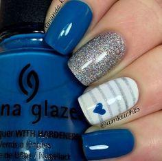 Blue x Glitter Nails
