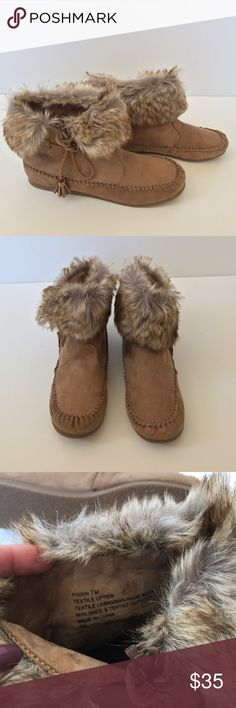 Madden Girl Faux Fur Trim Moccasin Bootie NWOB Wear these stylish booties with all your winter outfits. New without box Madden Girl Shoes Ankle Boots & Booties