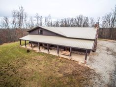 https://www.youtube.com/watch?v=9zXps-Wv2UE    Jason Aldean's Black Jack Ridge farm outside of Centerville, Tenn. (60 miles southwest of Nashville) is for sale for $4,599,000.    The 1,436-acre property boasts six bedrooms and 5.5 baths on the 4,032-square-foot retreat, including a luxury lodge, thr