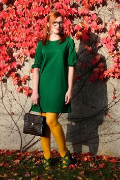 green Zara dress - yellow H&M tights - dark brown vintage bag Colored Tights Outfit, Yellow Tights, Vintage Bag, Fair Skin, Zara Dresses, Looking Gorgeous, Redheads, Red Hair, Dark Brown