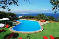 Kounenos Apartments || With an outdoor pool overlooking the Cretan Sea, Kounenos Apartments offers self-catered accommodation with a wonderful view over the bay.
