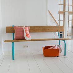 Een oude zitbank vol nieuw leven geblazen. Uniek item.
