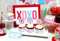 Valentine's Day XOXO & Love Collection by CupcakeWishesStore