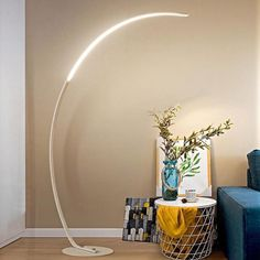 Led modern simple floor lamp – The Brand Decò White Floor Lamp, Arc Floor Lamps, Interior Lighting, Modern Lighting, Table Lighting, Arc Lamp, Chrome Colour, Luz Led, Room Lights