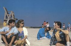 Pin for Later: The Most Memorable Movie Beach Scenes Weekend at Bernie's Turns out the beach is the perfect place to pretend someone's alive — sunglasses can help to distract.