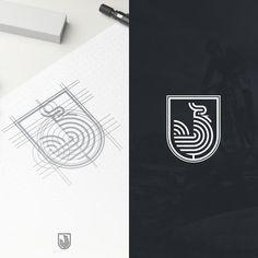 "Logo concept for ""HUHN"", mountainbike brand based in German. HUHN is German language for chicken. Minimal Logo Design, Graphic Design Branding, Typography Logo, Art Logo, Bucks Logo, Rooster Logo, Chicken Logo, Web Design Mobile, Leaf Logo"