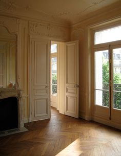 Things That Inspire: French floors - Home - Einrichtungsstil French Interior, Classic Interior, Home Interior Design, Interior And Exterior, Interior Doors, Wood Floor Pattern, Herringbone Wood Floor, Home Living, My Living Room