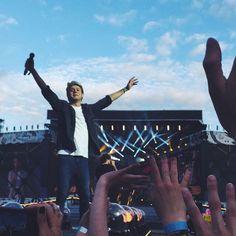 NEW: Niall on stage in Helsinki! 27/06/2015 (@WW1DAlerts)