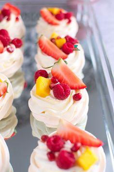Pavlova, Strawberry, Baking, Fruit, Sweet, Desserts, Recipes, Food, Cakes