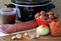 Moist and delicious Crock Pot London Broil recipe. A fix it and forget it family recipe that will have them coming back for more. Crock Pot Recipes, Meat Recipes, Slow Cooker Recipes, Cooking Recipes, Crockpot Meals, Recipies, Crock Pots, Crockpot Dishes, Paleo Meals