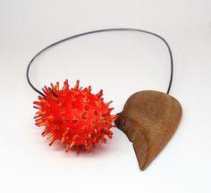 Linda Ezerman - imagine your beach...in bloom neckpiece