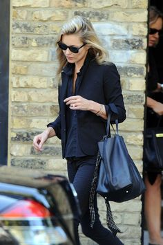 Kate Moss Photo - Kate Moss Leaves Her London Home