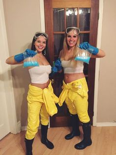 150 DIY Last Minute Halloween Costumes Ideas - Hike n Dip Have you been really busy and couldn't find out your Halloween Costume? No worries, here are the easiest DIY Last Minute Halloween Costumes Ideas. Halloween Costume Couple, Easy Halloween Costumes For Women, Best Friend Halloween Costumes, Trendy Halloween, Halloween Outfits, Halloween 2016, Cartoon Halloween Costumes, Matching Halloween Costumes, Fancy Dress Costumes Couples