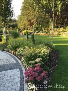 Pin by Front Lawns Ideas on front lawns ideas Outdoor Garden Decor, Outdoor Landscaping, Front Yard Landscaping, Outdoor Gardens, Front Garden Landscape, Lawn And Garden, Landscape Design, Garden Design, Landscape Plans