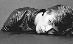 """vintage everyday: The Outtakes of David Bowie's Iconic """"Heroes"""" Album Cover Shoot"""
