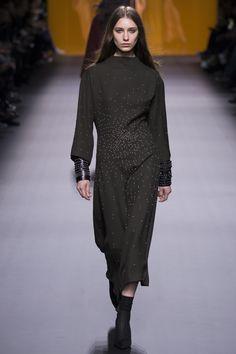 Hermès   Fall 2016 Ready-to-Wear   37 Grey embellished long sleeve midi dress