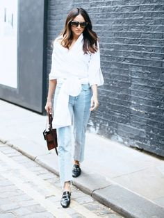 Here are 35 summer work outfits—a. what to wear to work when it's hot as hell outside. From jumpsuits and jeans to slip dresses and pleated skirts, these outfit ideas will take you through to Labor Day. Street Looks, Look Street Style, Street Chic, Look Fashion, Fashion Outfits, Fashion Trends, Fashion Black, Fashion Fashion, Fashion Ideas