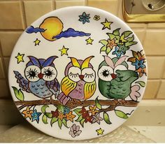 Painted Plates, Hand Painted Ceramics, Ceramic Plates, Plates On Wall, Ceramic Pottery, Pottery Painting, Ceramic Painting, Ceramic Art, Mirror Painting