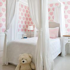 """Já na ativa, começando a semana homenageando o """"Outubro Rosa"""" 💕 💕 movimento tão importante para nós, mulheres!! Não é mesmo @dravivianemonteiro ?😉💕 #babiteixeiraarq #decor #decoracao #homedecor #lifestyle #outubrorosa #instadecor #instadecoration #girlsroom #rose Luxury Living, Girls Bedroom, Luxury Homes, Toddler Bed, House, Furniture, Silvia Braz, Home Decor, Kids Rooms"""