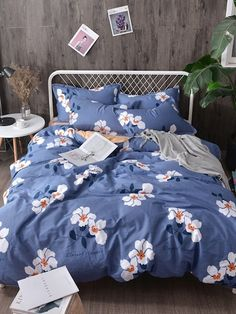 SheIn offers Flower Print Duvet Cover & more to fit your fashionable needs. Duvet Bedding, Comforter Sets, Floral Comforter, Cute Bed Sheets, Cute Bedroom Ideas, Luxury Bedding Sets, Modern Bedding, Bed Sets, Aesthetic Rooms